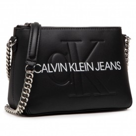 CALVIN KLEIN CAMERA POUCH W/CHAIN Black K60K607858